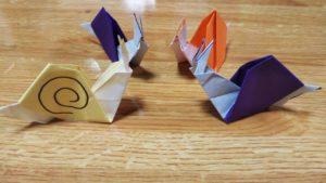 折り紙のカタツムリ4匹
