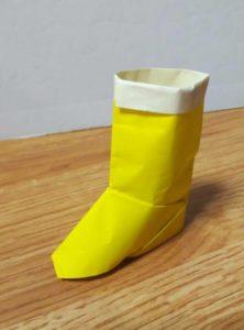 折り紙でできた長靴