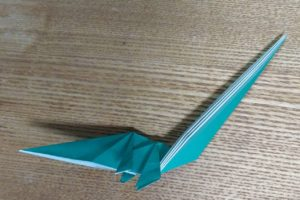 緑の折った折り紙