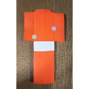 オレンジの折り紙で作った紙衣
