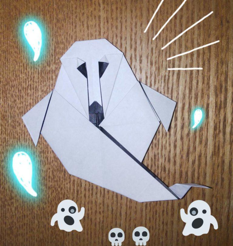 黒い折り紙で作ったおばけ