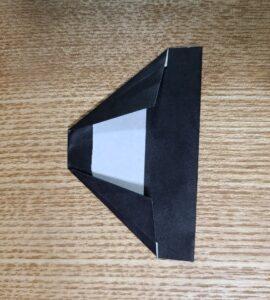 1枚の黒い折り紙で作ったおひなさまの髪