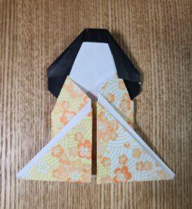 折り紙で作ったおひなさま